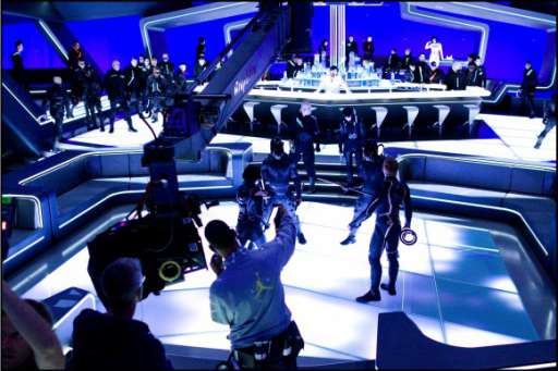 """Viral Easter Eggs To Look For When Watching """"TRON: Legacy"""""""