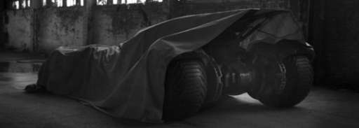 "Zack Snyder's ""Batman Vs Superman"" Batmobile And Batsuit Reveal Tweet Instantly Goes Viral"