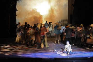 THE HEAT IS ON IN SAIGON! Theatre Viral Explores a most Cinematic Musical Production..
