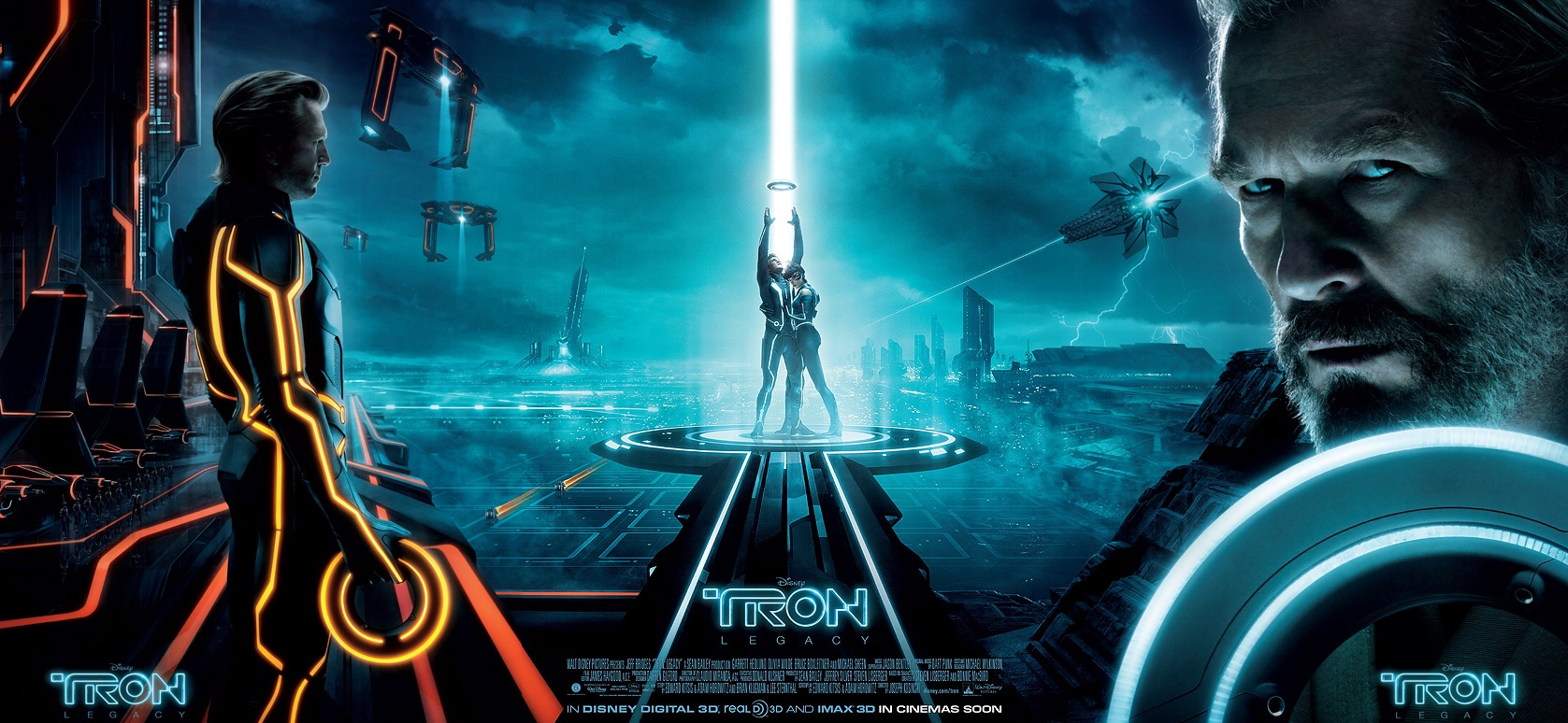 http://www.movieviral.com/wp-content/uploads/2010/11/tronlegacy-banner-large.jpg