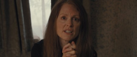 julianne-moore-as-margaret-white-in-carrie