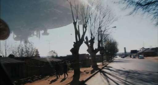 District 9 Trailer #2 Breakdown (Screencaps)