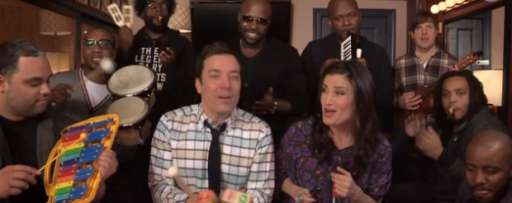 "Watch Idina Menzel, Jimmy Fallon, And The Roots Sing ""Let It Go"" With Classroom Musical Instruments"