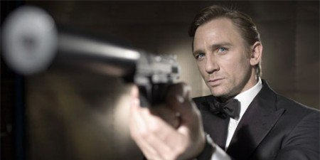 JAMES BOND WOULD RATHER TAKE A SUICIDE PILL THAN LET DANIEL CRAIG STEP DOWN