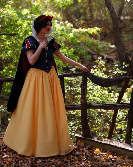 The Queen of Cosplay! Meet MARY POPPINS! SNOW WHITE! And the Amazing Girl who can LITERALLY become just about ANY Character..