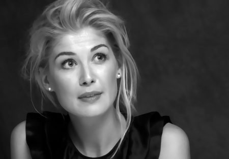 Rosamund Pike's Golden Globes were enlarged?