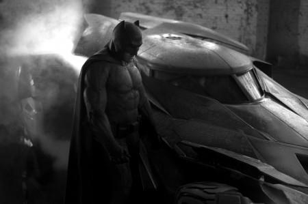 batman-vs-superman-new-batman-suit-2014-HR